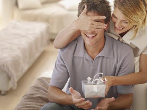 Как выбрать мужу подарок на Новый Год?